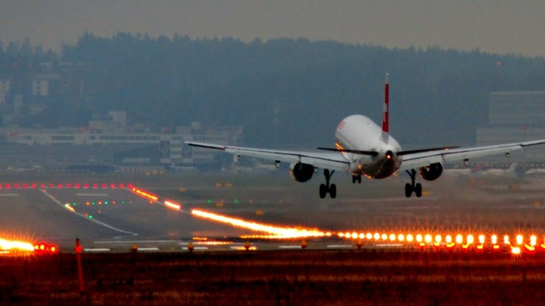 Landing_at_Zurich_International_Airport-small
