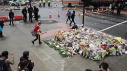 170606-london-attack-memorial-borough-market-njs-931a_c54f30a8b4ac1f3ee667efbe0f76a2f5.nbcnews-fp-1240-520